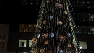 梅田スカイビルのクリスマスイルミネーション
